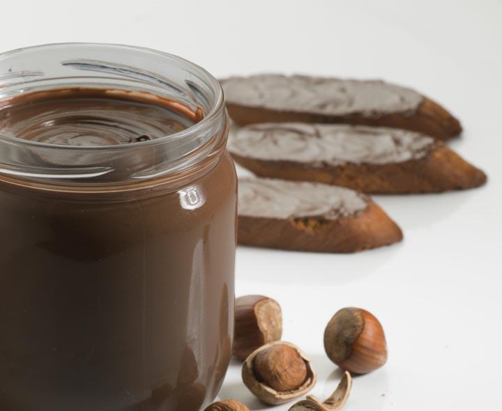 Pâte à tartiner cacao et noisettes